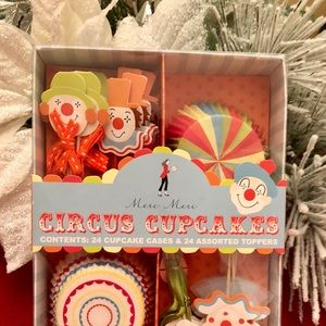 Cupcake toppers and cases
